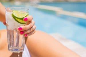 Mantenerse hidratado en verano y cuando hace calor es importante para una correcta salud.