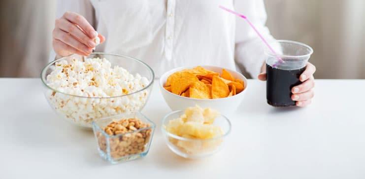 Comer en exceso: sus causas y cómo solucionarlo